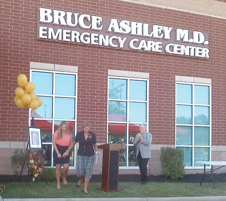 "On Sept. 22, the Adams County Regional Medical Center held a ceremony to honor a special man and to rename the hospital's emergency room in his honor.  Dr. Bruce Ashley served the Adams County community for many years before unexpectedly passing away and in his honor, the ceremony on Thursday christened the new ""Bruce Ashley, M.D. Emergency Care Center.""  Pictured above at the dedication ceremony are, from left, daughter Jade Ashley, wife Sharon Ashley, and ACRMC CEO Roland Gee.  Photo by Kaiajade for The People's Defender"